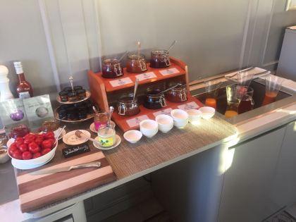 Frühstücksbuffett Marmeladen