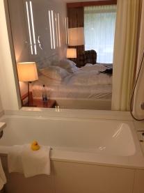 Zimmer vom Bad aus