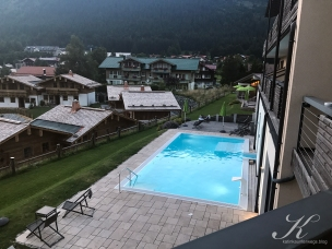 Pool vom Balkon aus